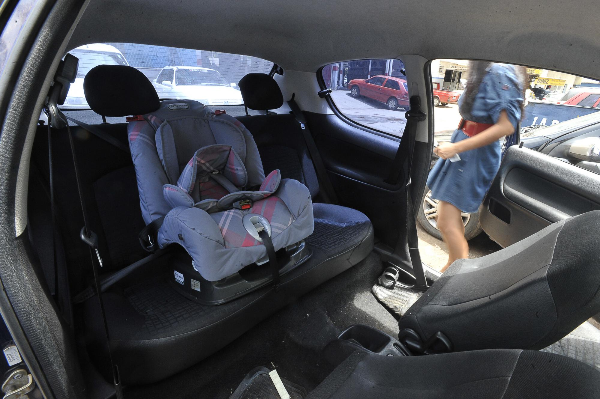 Cresce o número de motoristas flagrados transportando crianças sem a cadeirinha