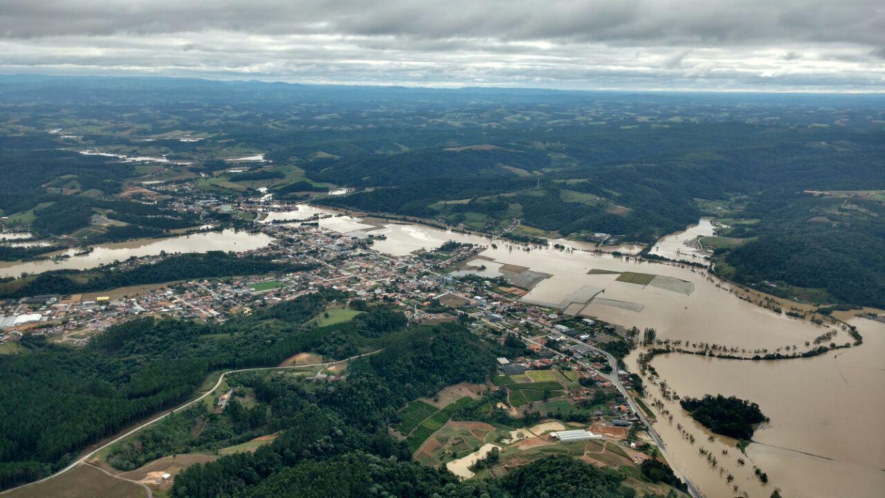 Defesa Civil do Estado mantém alerta de chuva forte a partir de domingo