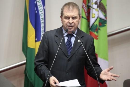 Deputado Eskudlark reivindica obras emergenciais na SC-350 entre Rio do Sul e Alfredo Wagner
