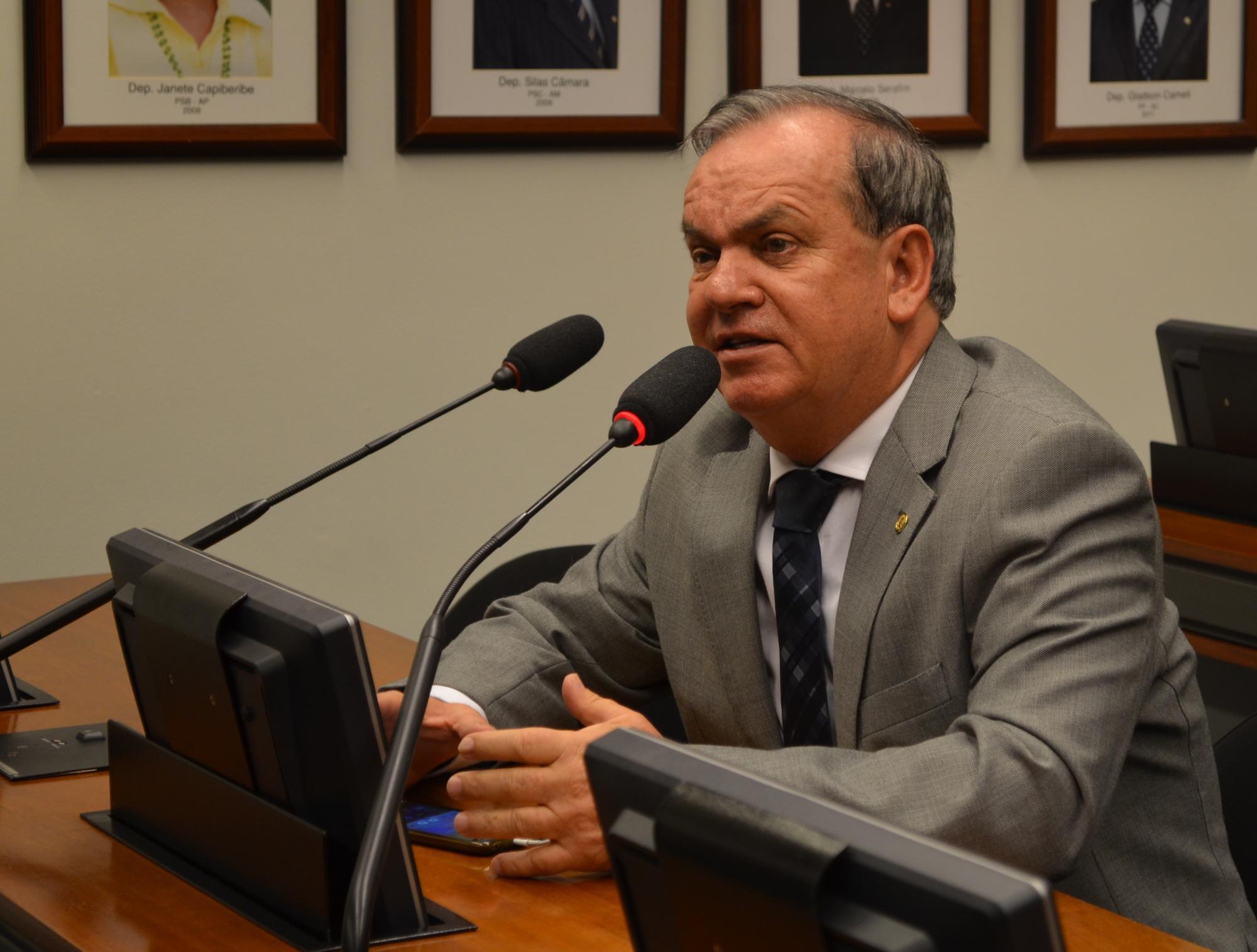 Deputado Peninha garante liberação de recursos para construção de novo estádio municipal em Ituporanga