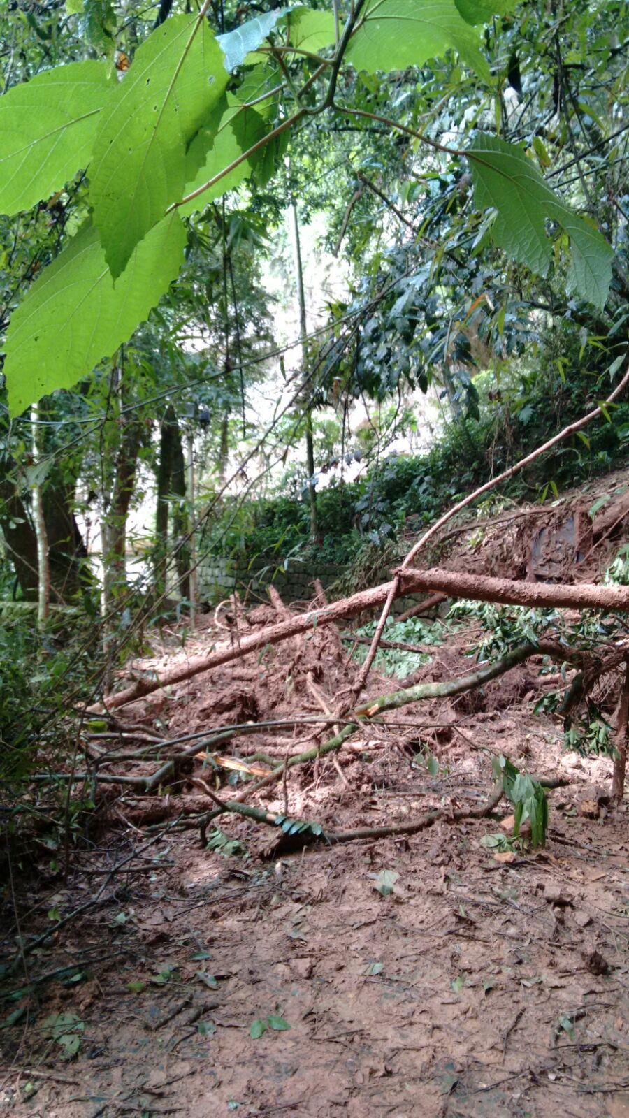 Deslizamento de terra interdita Gruta em Ituporanga