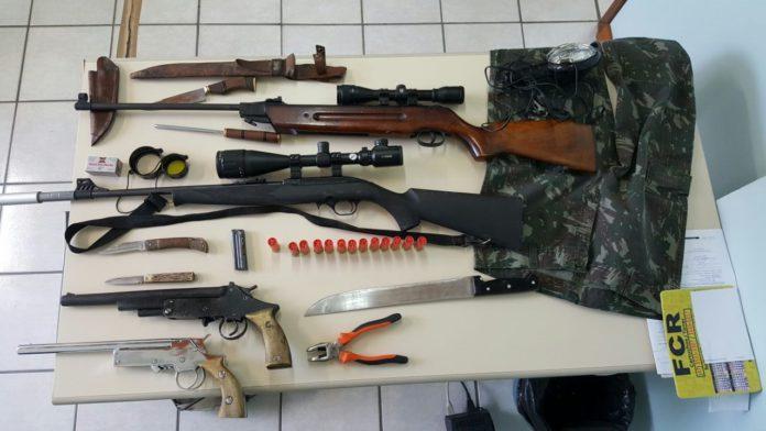 Dois homens são presos e materiais de caça, munições e armas são apreendidas em Atalanta
