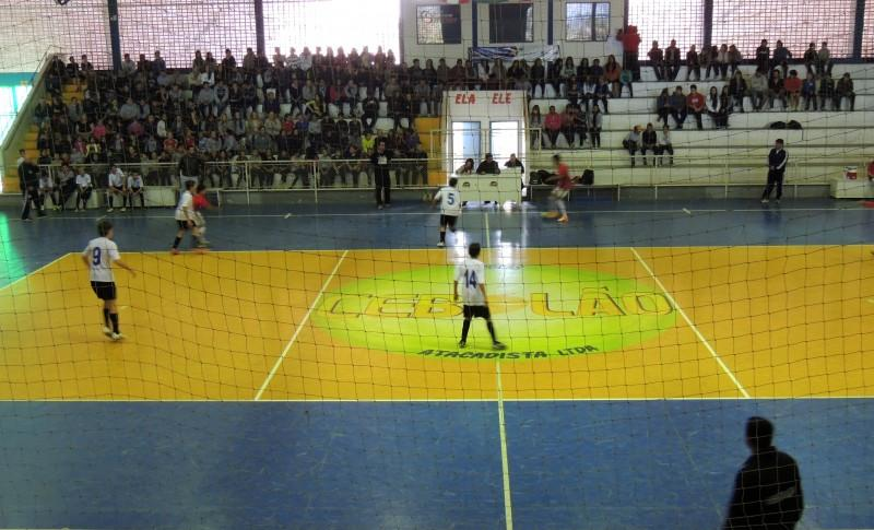 Domingo a bola rola nas finais do Integração de Futsal em Ituporanga