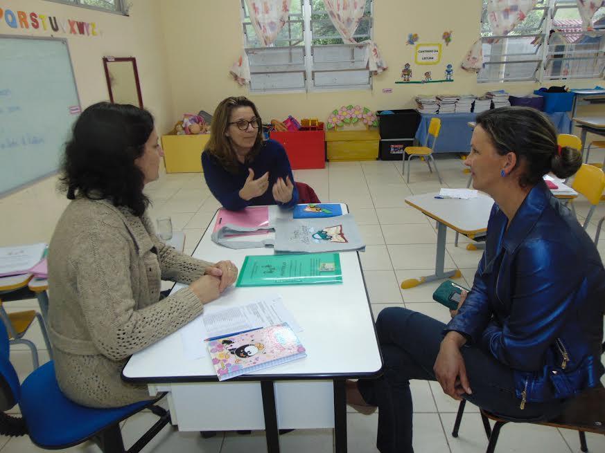 Educação de Petrolândia desenvolve projeto Mala Viajante