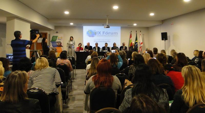 Educação de Petrolândia participa do Fórum Extraordinário da Undime