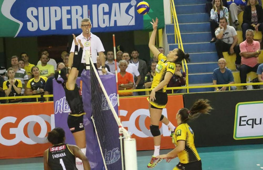 Em batalha de cinco sets Rio do Sul vence o Sesi-SP