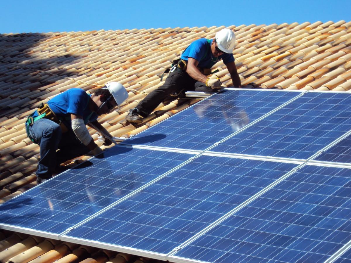 Em expansão no Alto Vale, sistema de energia solar pode gerar economia aos consumidores