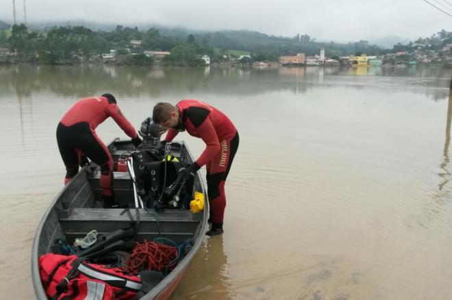 Encontrado corpo de jovem que morreu afogado em Rio do Sul