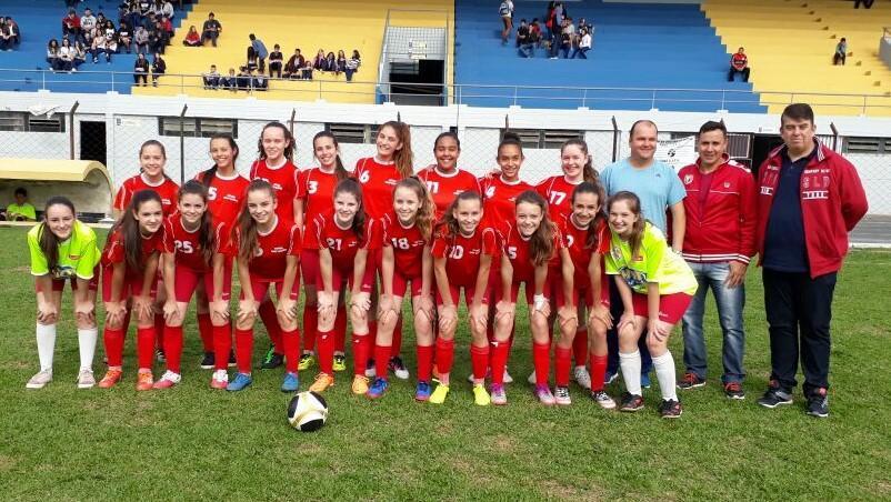 Escolas do Vale do Itajaí disputam finais do Bom de Bola SC, Mon't Alverne representa Ituporanga no feminino