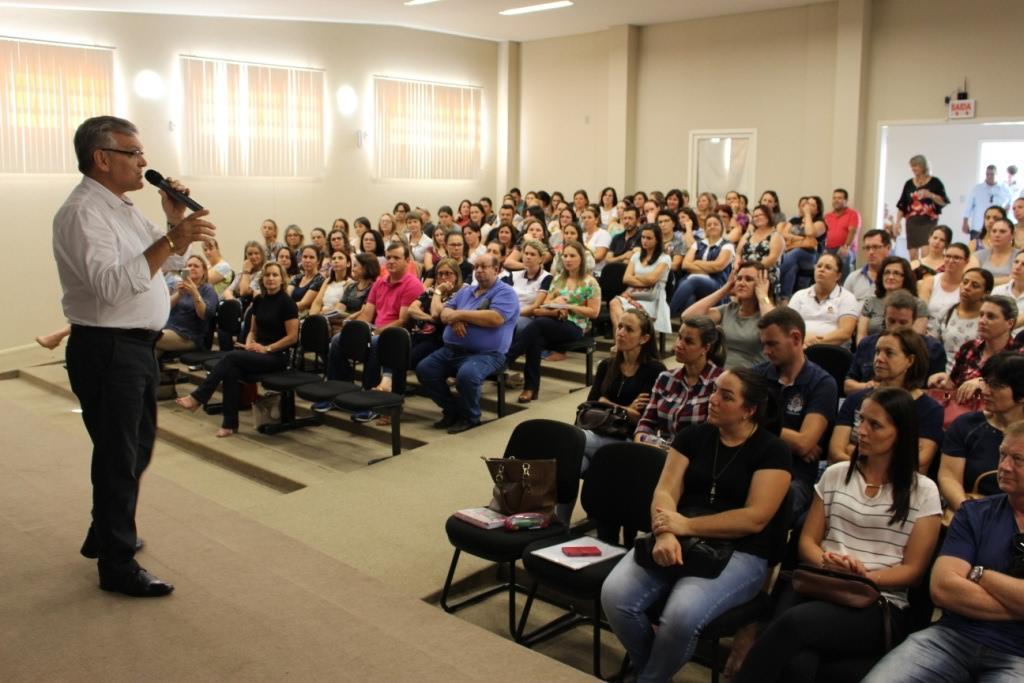 Etapa intermunicipal da Conae 2018 é realizada em Ituporanga e reúne cerca de 300 educadores