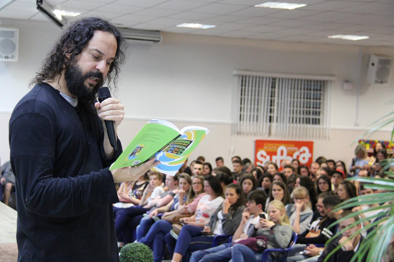 Feira do Livro soma 18 mil visitantes, em Rio do Sul