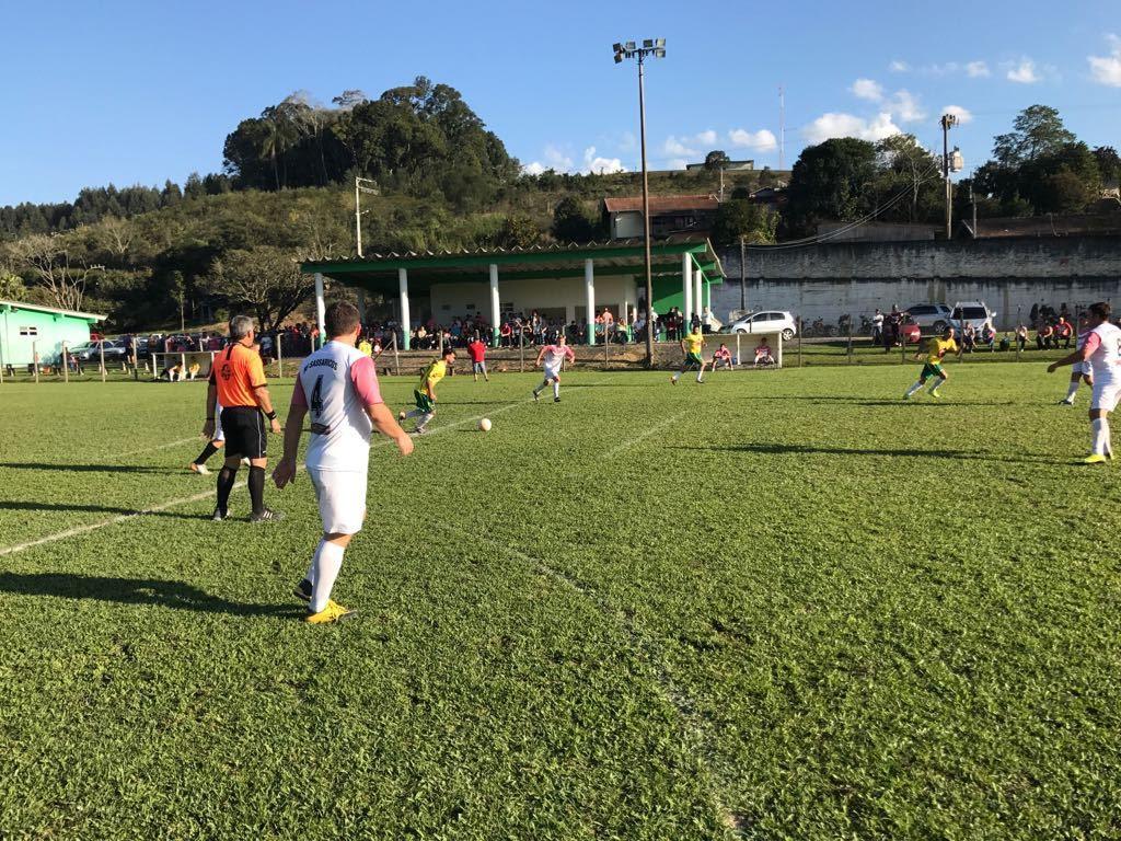 Finais do Municipal de Futebol Suíço de Petrolândia serão disputadas neste domingo