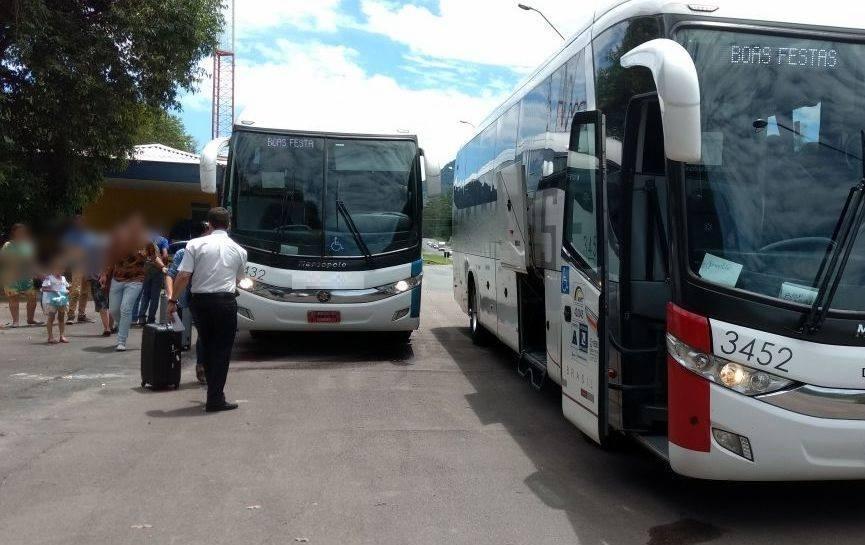 Fiscalização flagra passageiros de pé em ônibus na BR-470 em Rio do Sul