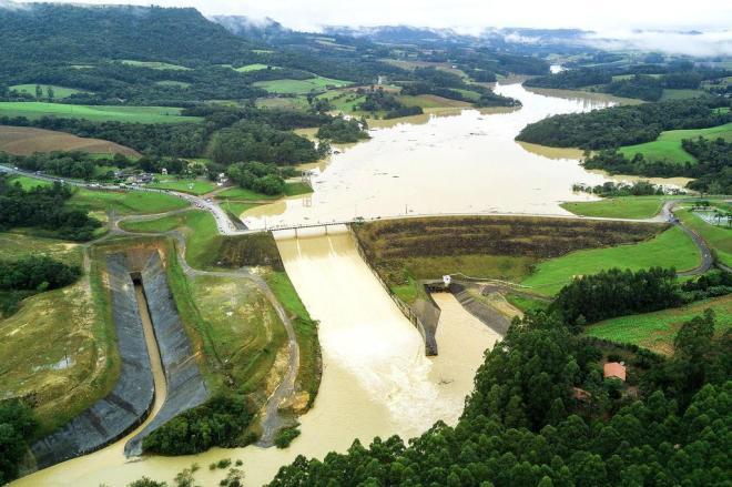 Fotos aéreas mostram volume de água na barragem de Ituporanga