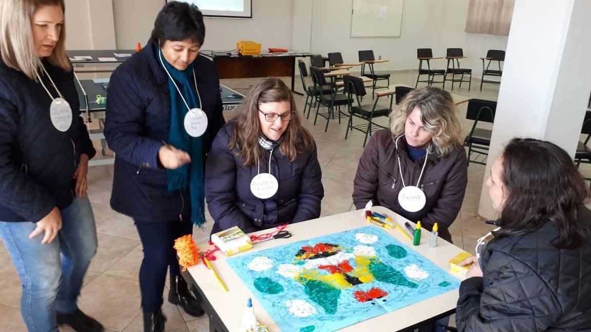 Fundação Roberto Marinho, do Grupo Globo de Comunicação, realiza dia de atividade pedagógica na Escola Mont'Alverne de Ituporanga