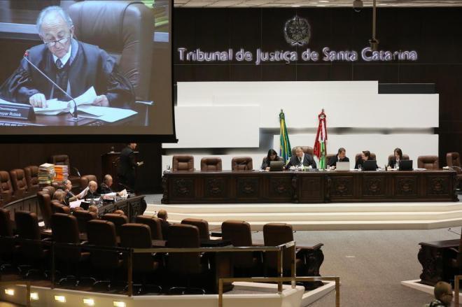 Governador sanciona auxílio-saúde para servidores aposentados do Judiciário de Santa Catarina