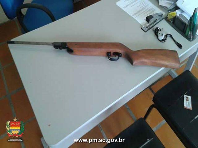 Homem acaba preso após postar venda de arma no Facebook em Atalanta