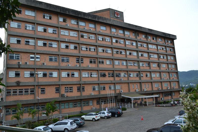 Hospital Regional sobrevive com empréstimos