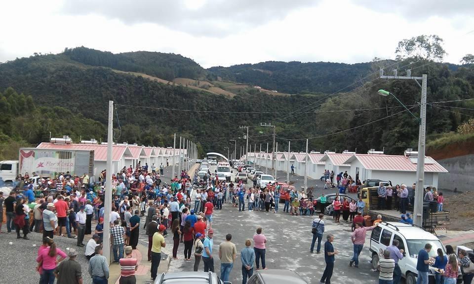 Inaugurado Loteamento Jardim das Colinas em Leoberto Leal