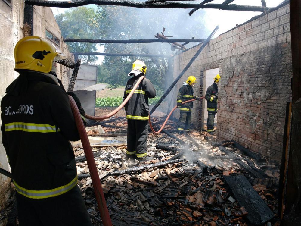 Incêndio destrói estufas de fumo no interior de Ituporanga