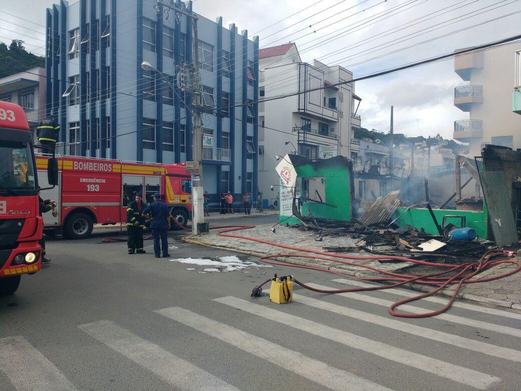 Incêndio destrói restaurante em Alfredo Wagner