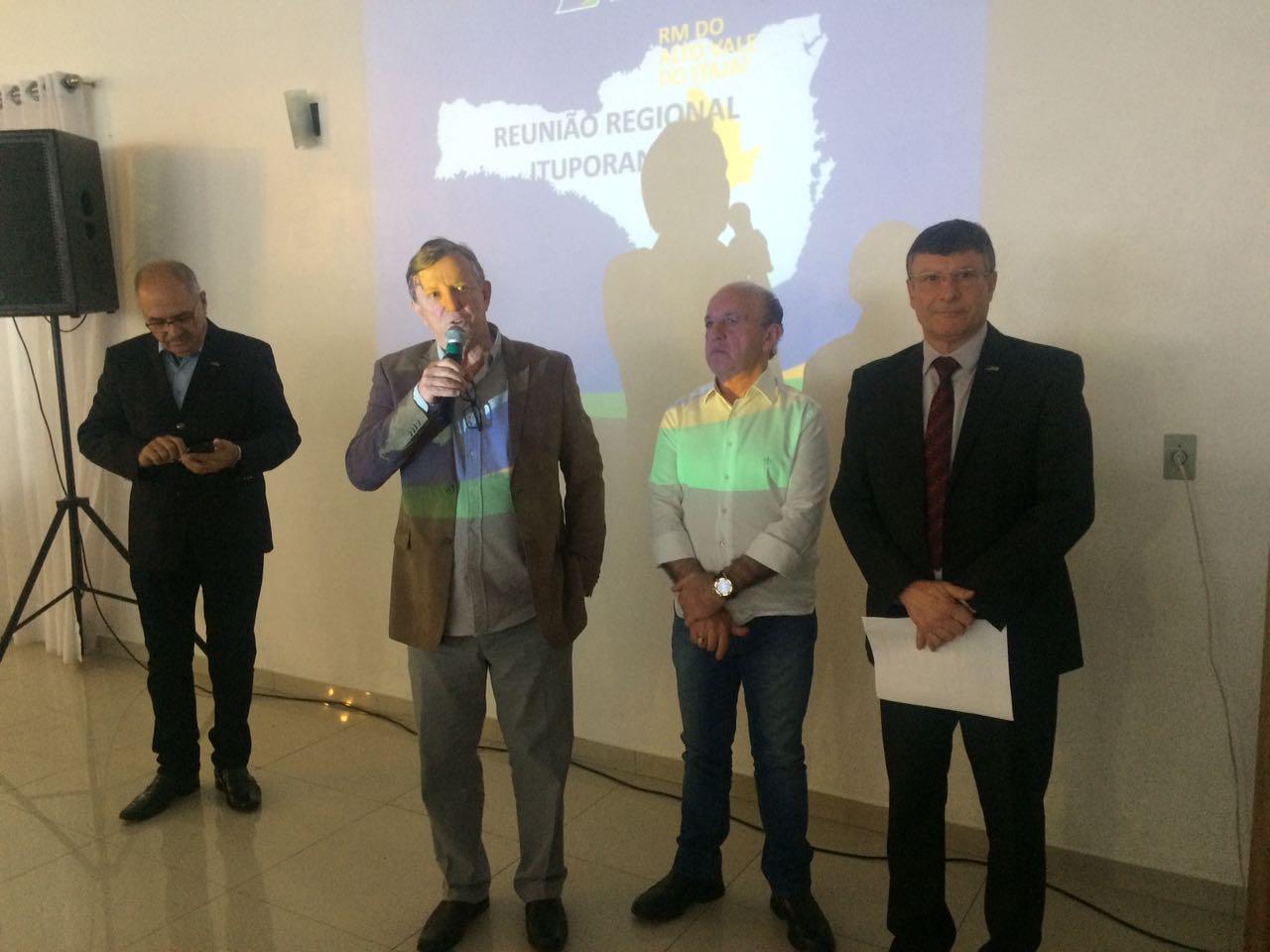 Ituporanga sedia reunião da Federação das Câmaras de Dirigentes Lojistas de Santa Catarina