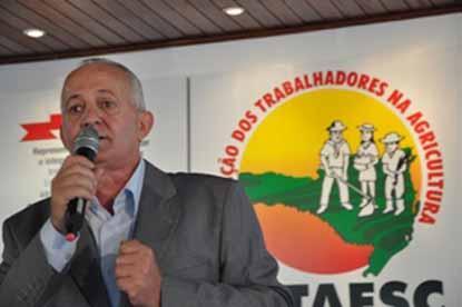José Walter Dresch é reeleito Presidente da Fetaesc