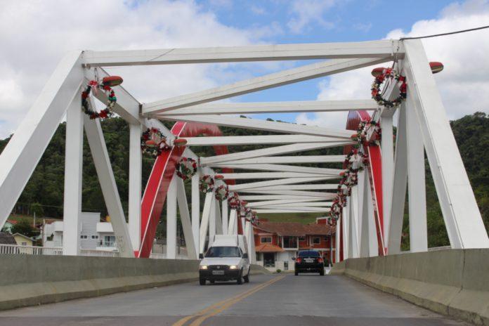 Juiz da Comarca aceita ação popular e anula pagamento da 2ª parcela de indenização de terreno desapropriado para construção da Ponte Vitório Sens