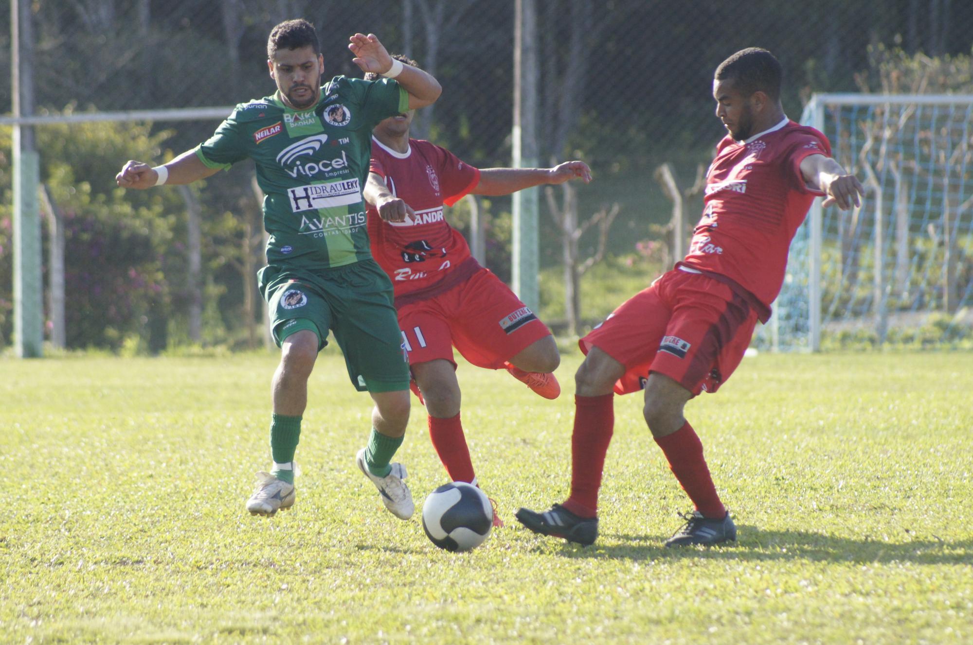 Liga: Serra Cima inaugura arquibancada e goleia o Canto do Rio