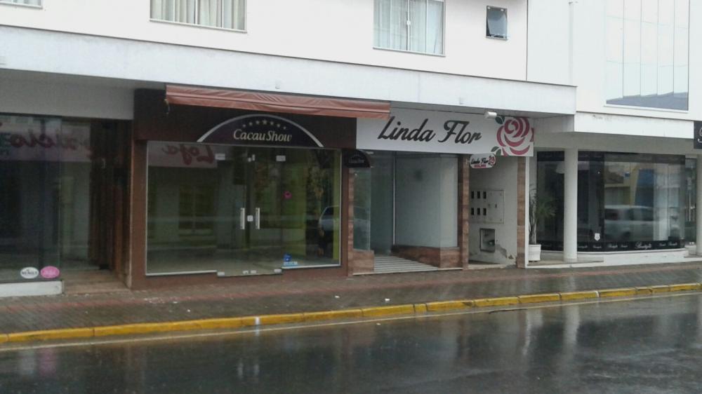 Lojas amanhecem vazias no centro de Ituporanga