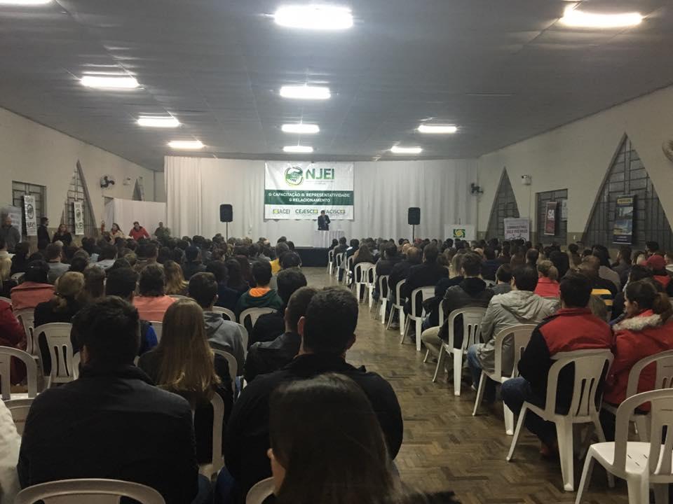 Mais de 450 pessoas participam de Palestra com Luiz Carlos Prates em Ituporanga
