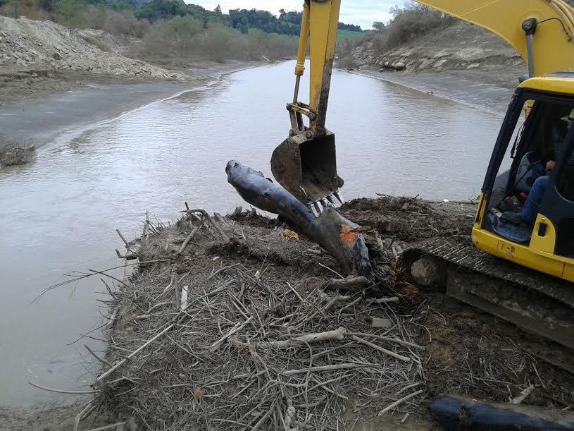 Mais de 50 caçambas de entulhos são retiradas da Barragem Sul em Ituporanga