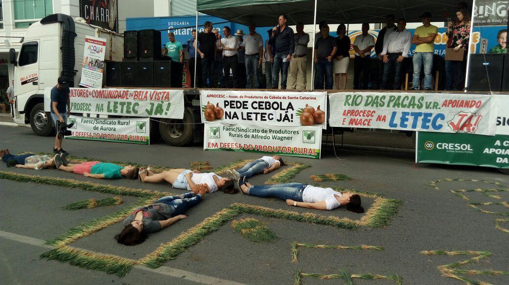 Manifesto em Ituporanga nesta quinta foi organizado pela Aprocesc
