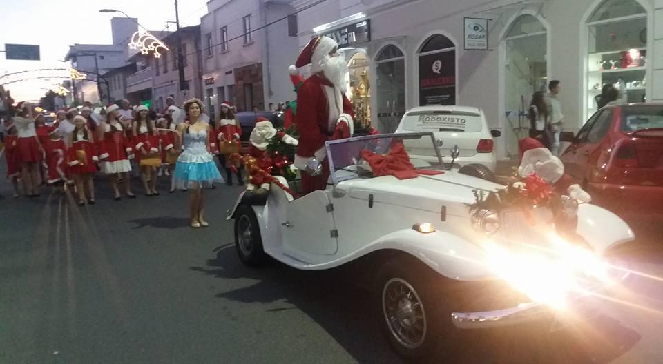 Milhares de pessoas prestigiam abertura do Natal Mágico em Ituporanga