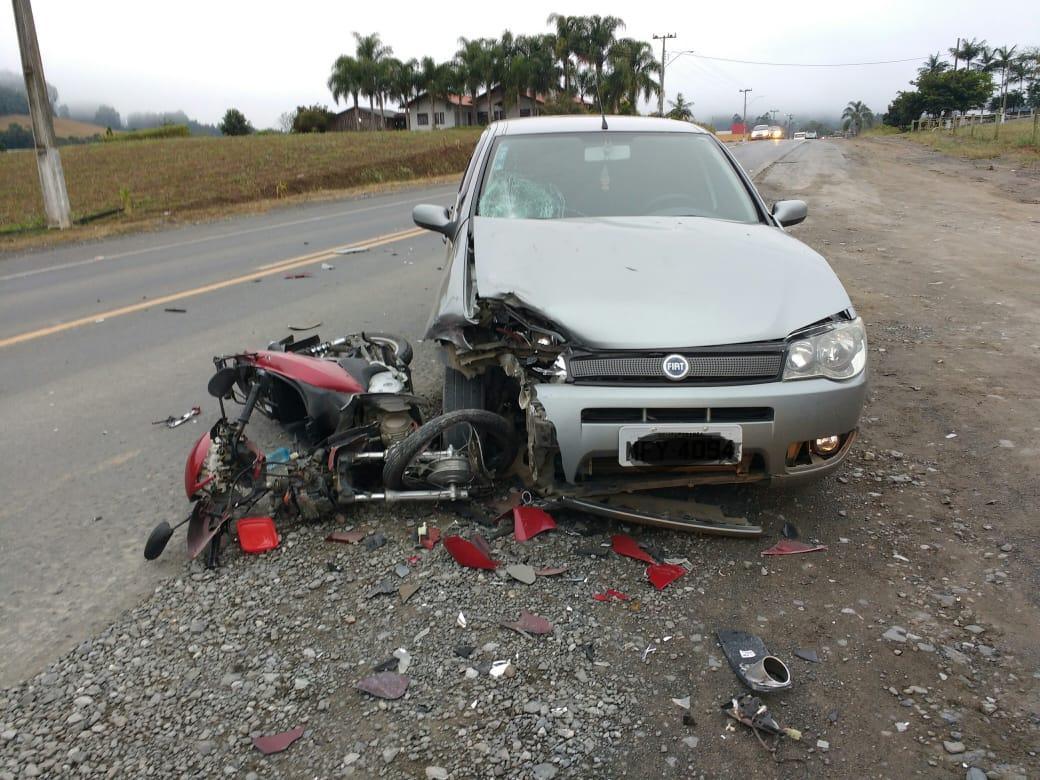 Motociclista fica ferida em acidente na SC-350 em Ituporanga