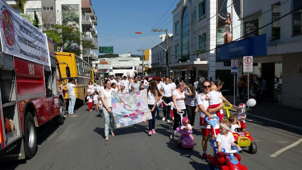 No Dia Mundial da Paz caminhada marca a data em Ituporanga
