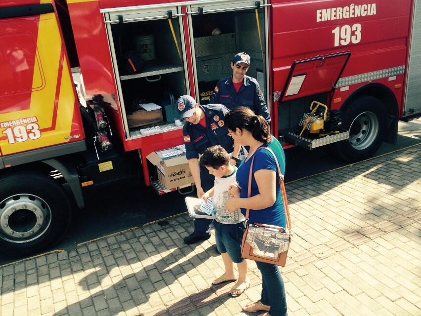 Corpo de Bombeiros de Ituporanga realiza no centro da cidade ações de prevenção e conscientização no trânsito