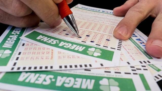O sonho de ficar milionário com a Mega da Virada movimenta a lotérica de Ituporanga