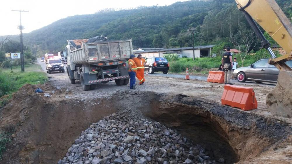 Obras de recuperação na BR-470 em Ibirama devem durar mais dois dias