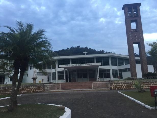 Padre é afastado de igreja em Ibirama após condenação por abuso sexual