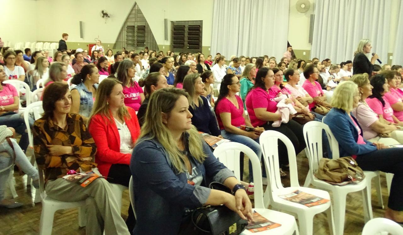 Palestra sobre câncer de mama e colo de útero reúne mais de 200 pessoas em Ituporanga