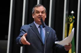 Peninha recusa o convite de Bolsonaro e permanece no PMDB