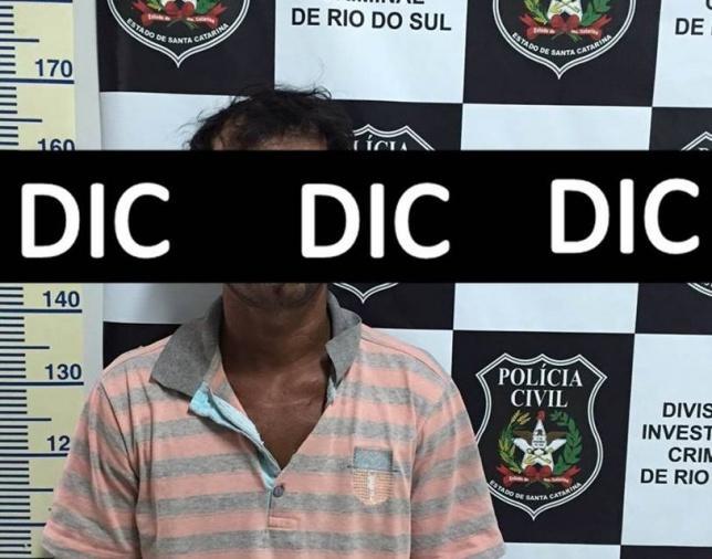 Polícia prende homem com três mandados de prisão em aberto