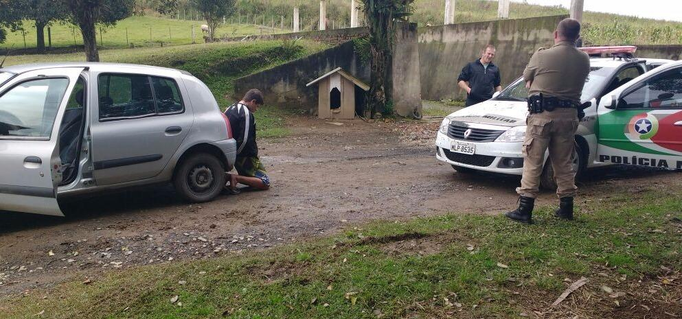 Polícia recupera veículo furtado em Imbuia