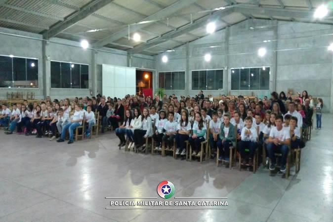 Proerd forma 68 novos alunos em Aurora