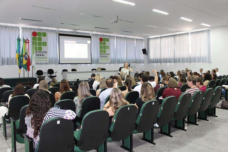 Profissionais de Saúde do Alto Vale participam de capacitação em Rio do Sul