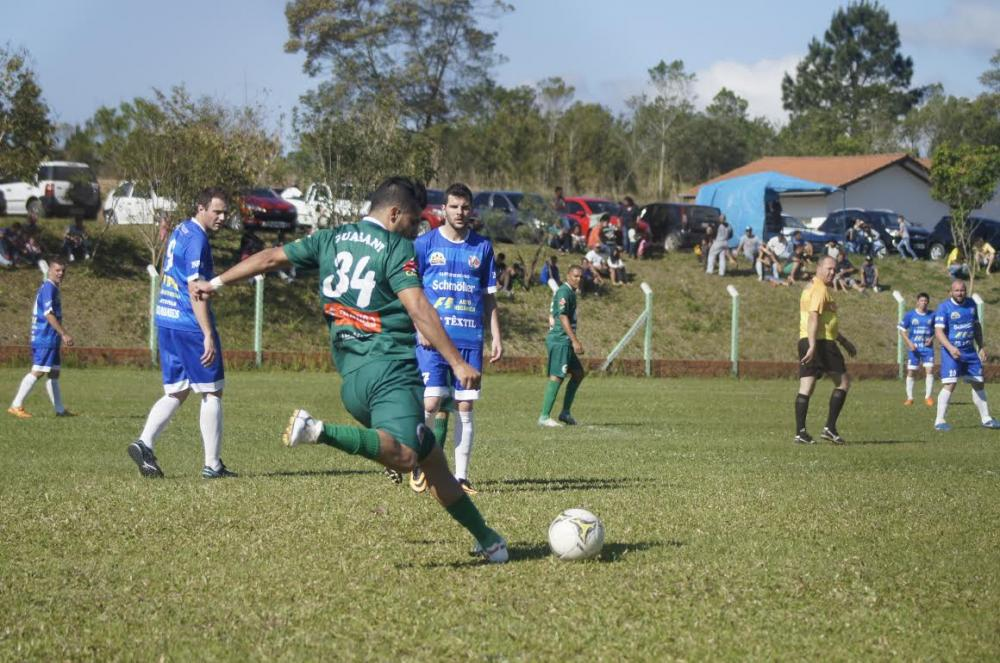 Regional: Três clubes têm vantagem no jogo de volta pela Liga Riosulense