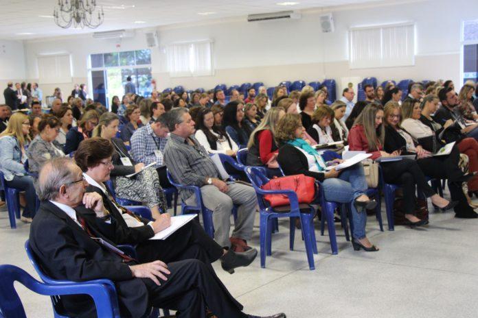 Rio do Sul recebe Seminário Estadual de Sistemas de Educação de SC