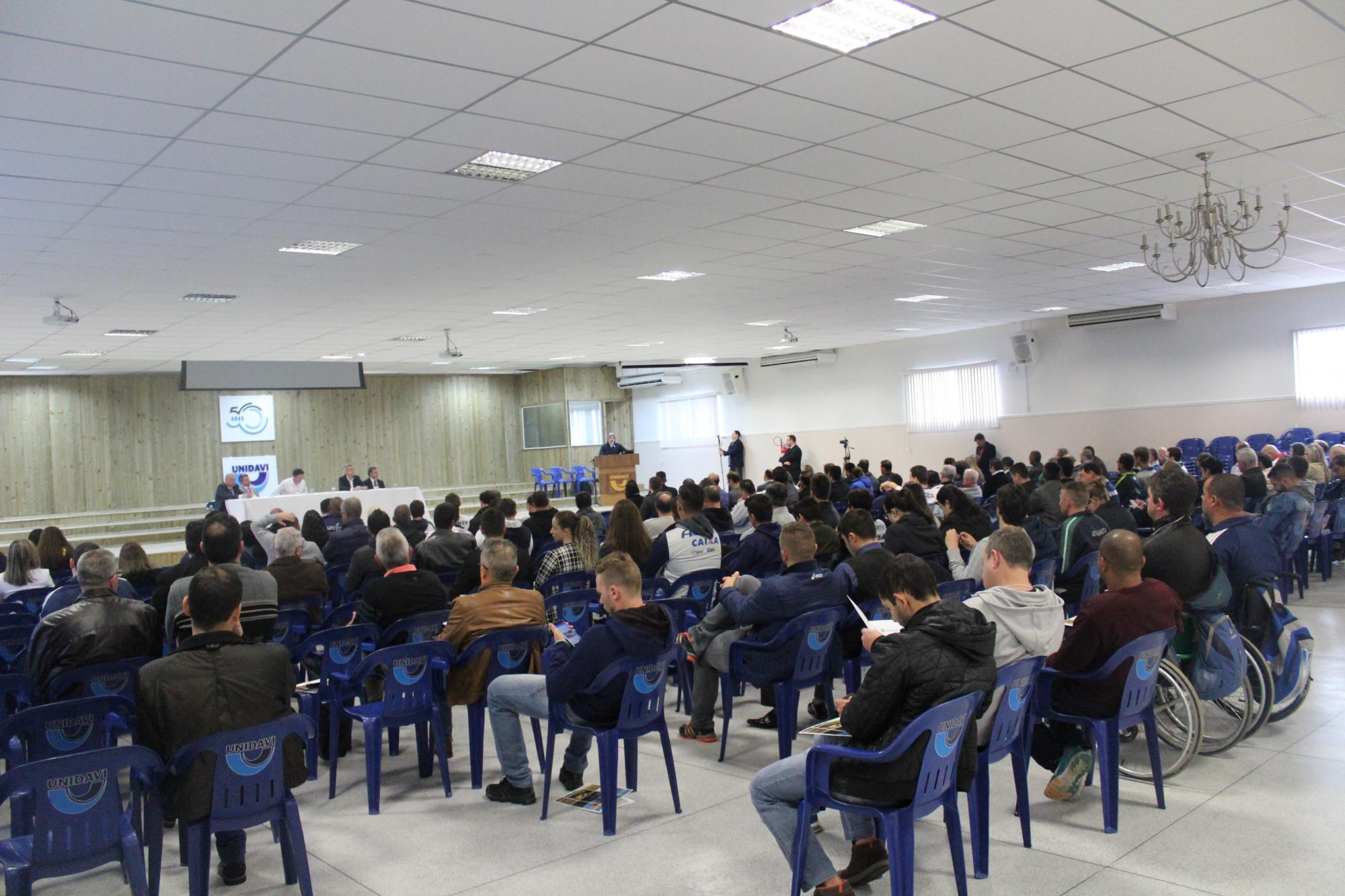 Rio do Sul sedia seminário que discute melhorias para o esporte de SC