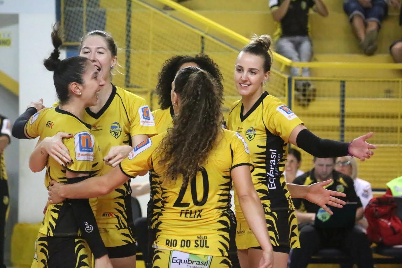 Rio do Sul Vôlei é escolhida a melhor equipe esportiva no Troféu Guga Kuerten